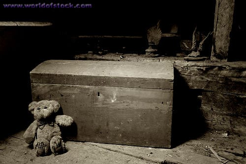 old-chest-in-the-attic